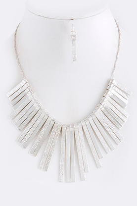 Shop Suey Boutique Bold Metal Trend:: Gwyneth Necklace in silver